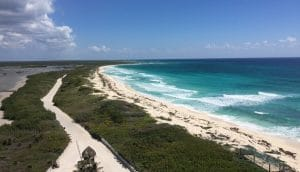 Sweeping view of blue coastline in Cozumel