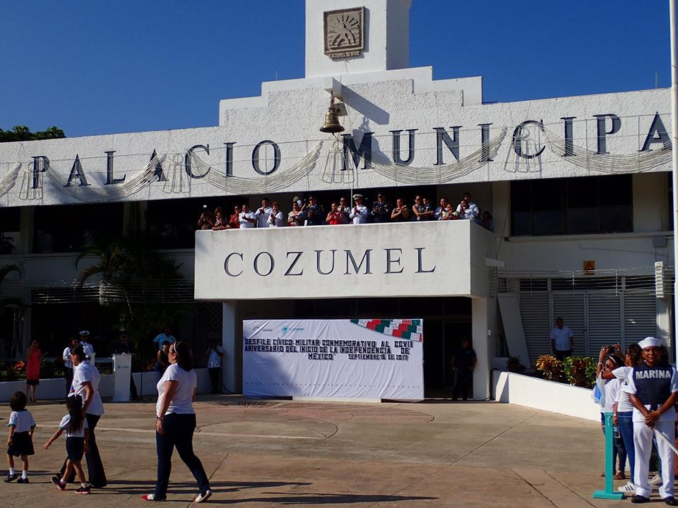El Palacio city hall in Cozumel