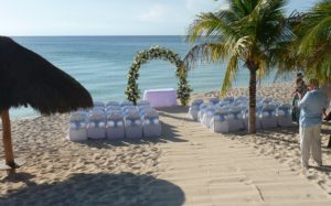 Read more about the article Why Your Caribbean Destination Wedding Should be in Cozumel